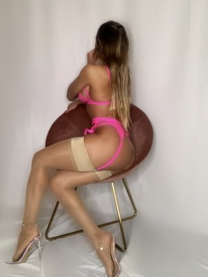 Salsabile vip escort in Collinsville IL, nuru massage