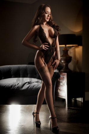 Maelle tantra massage in College Station