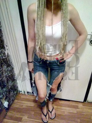 Giselene happy ending massage and vip escort girl