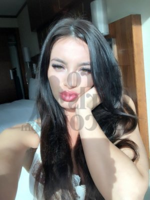 Idalie happy ending massage & escort girls
