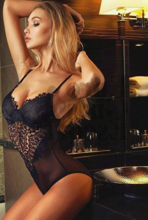 Louisa vip escort girl in Fishers and thai massage