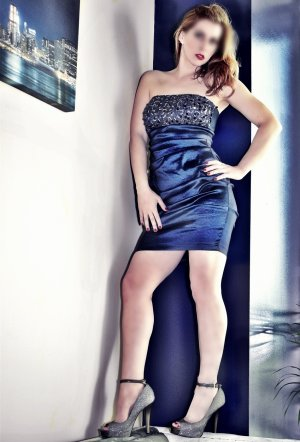 Dunja escort girls in Crystal and tantra massage